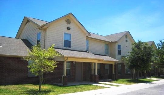 texas affordable luxury apartments townhomes dominium