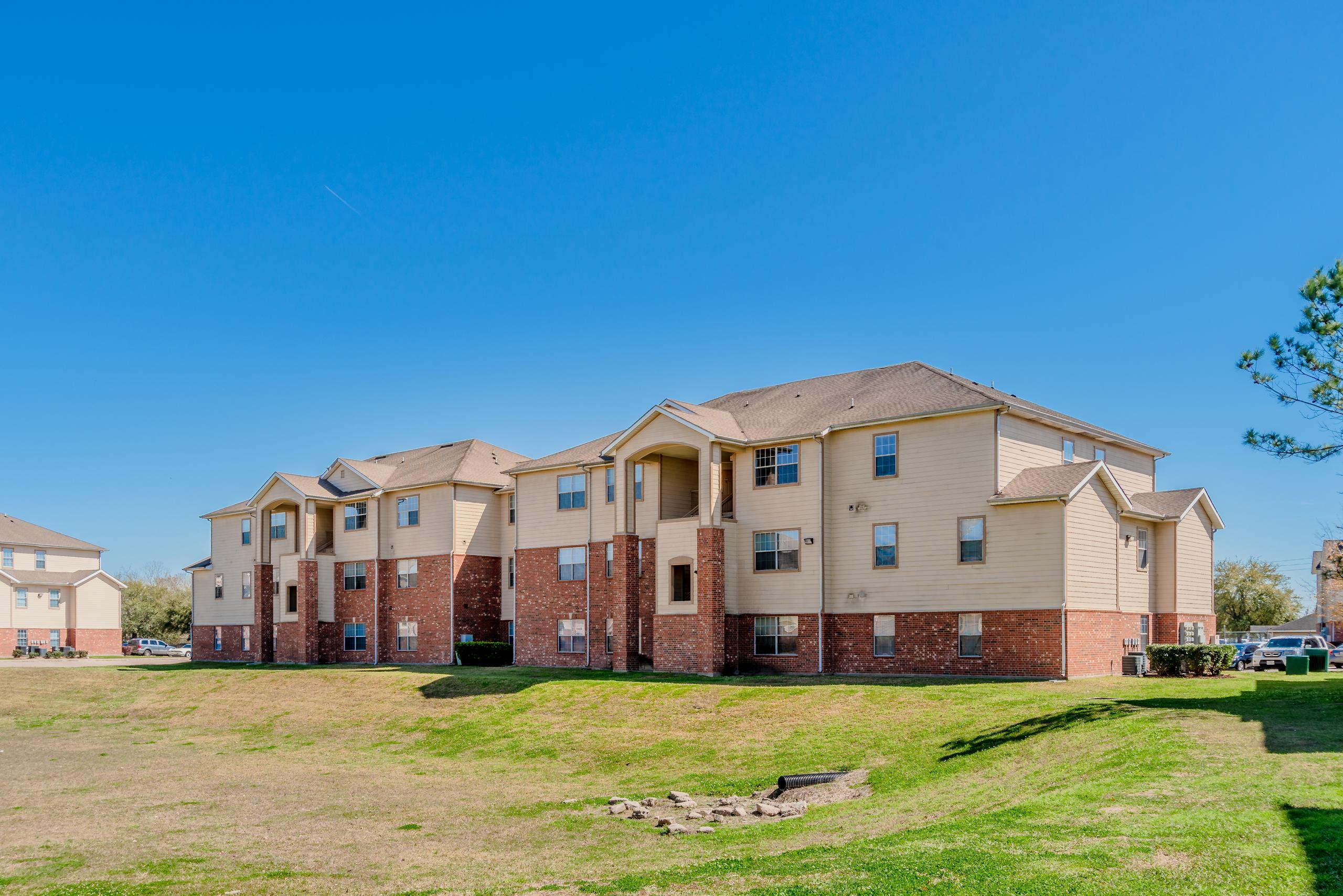 Dominium Takes Ownership of 260-Unit Parkside Point, Plan ...